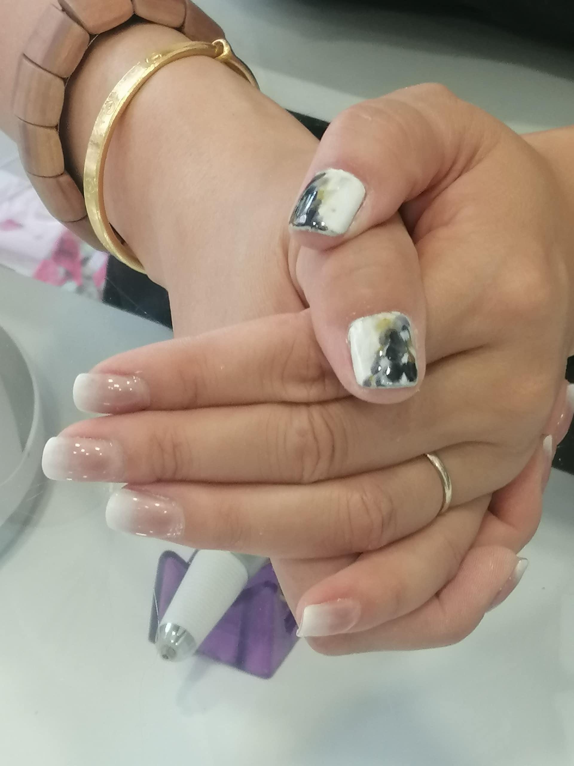 Esmaltado de uñas