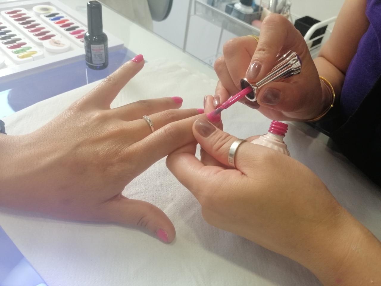 esmalte de uñas en barcelona